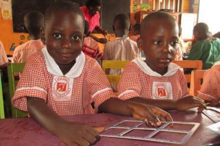 Uganda-classroom-children